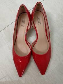 Red heel shoes