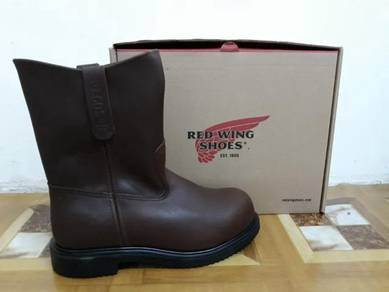 New red wing shoe