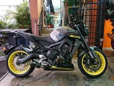 Long Bellypan Yamaha MT-09 siap stickers mt09