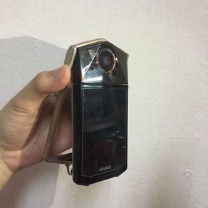 Casio Exilim TR70