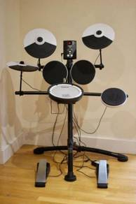 Roland Electronic Drum Kit - Very Good Condition