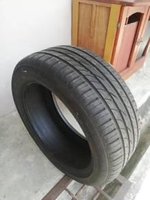 Dunlop tyre 215/50/R17