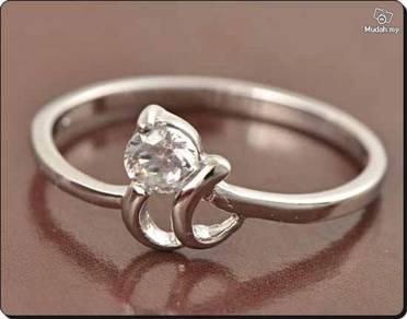 ABRWG-W005 9K White GF CZ Womens Ring - Size 7.5
