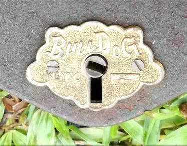 Kunci mangga Jepun antik, jenama Bull Dog