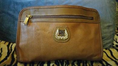 Authentic clutch lancel superb