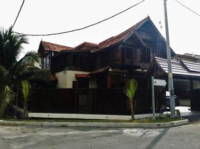 Beautiful & unique house in putra nilai double storey corner lot
