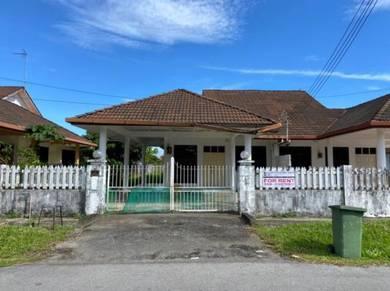 Single Storey Semi Detached House at Pujut 5, Miri