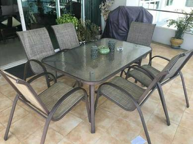 Elegant Lightweight 6-seater Outdoor Dining Set