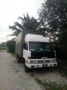 Lorry isuzu npr thn1997