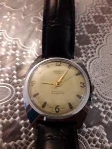 Jam tangan antik