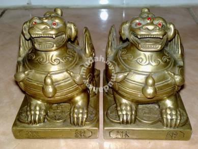 Antique brass oriental dragon tembaga