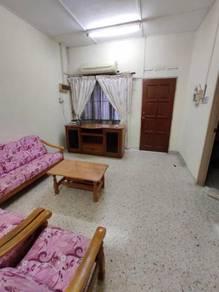 Taman Tun Aminah / Near Pasar and Bus Station / 3 Room Got Aircond