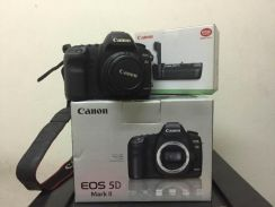Canon 5D Mark II With Lense Fullbox