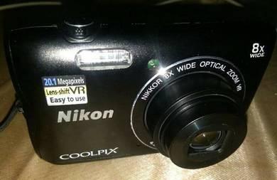 Nikon CoolPix A300 -