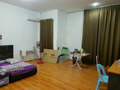 Air cond room with toilet Golden villa