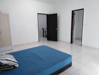 Room rent Bangi, middle, private bathroom, Bangi Avenue, KUIS, GMI
