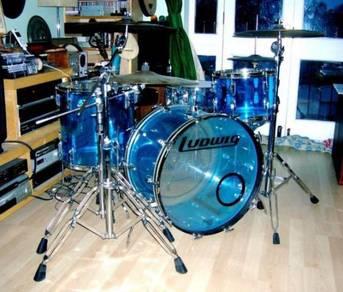 Original vintage ludwig blue vistalite 22, 13, 16