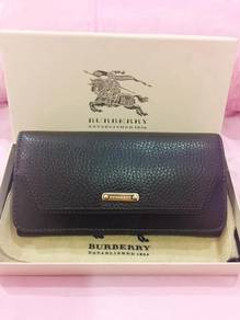 Burberry Grainy Leather Penrose Continental Wallet