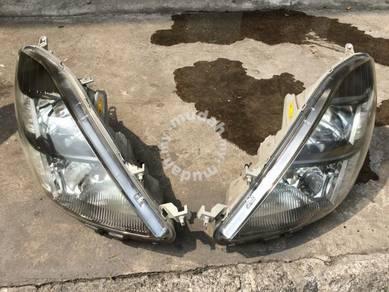 Lampu Smoked Hid Toyota Isis Jpn