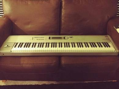 Korg Trition Le 88 Key Music Workstation Piano