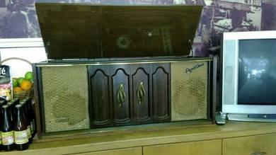 Radio grand JVC ( antique)