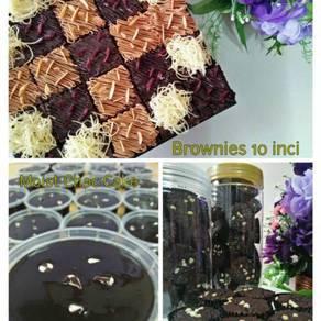 Brownie and Moist Chocolate Cake