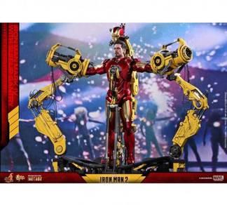 Iron Man 2 Mark IV with Suit-Up Gantry Hot Toys