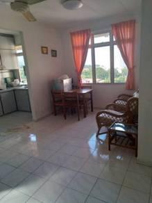 Azuria Condo TANJUNG BUNGAH fully furnished tiles flooring 3-rooms