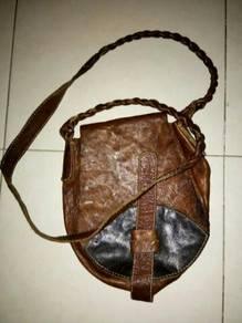 Sling bag kulit ori