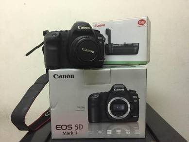 Canon 5D Mark II With EF 35MM Lense Fullbox