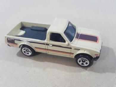 HotWheels Datsun 620 Multipack Cream