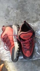 Kasut hiking prospec