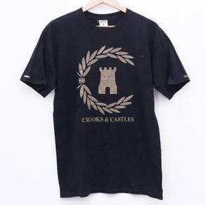 Size M CROOKS & CASTLES Tshirt Pit 19.5