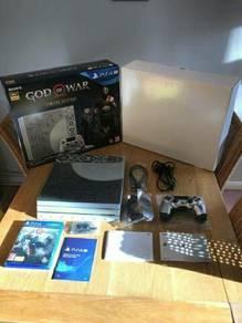 PS4 Pro 1TB God of war.