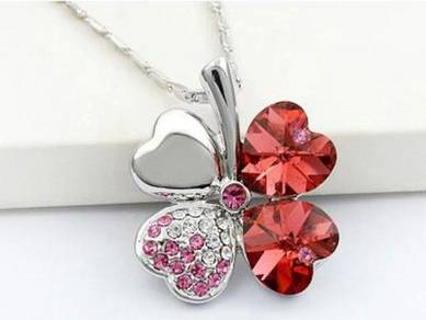 4 Leaf Clover Flower Heart Love Necklace