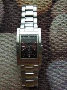 GUESS watch to let go at RM300