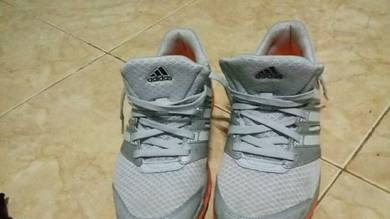 Kasut sport adidas run strong original al-ikhsan.