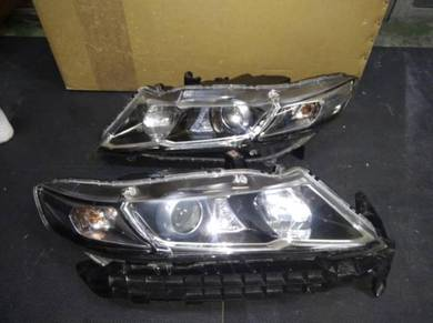 Honda Odyssey RB3 HID Head Lamp (One Pair)