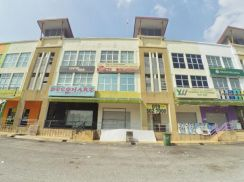 3 Storey Shop Lot Bandar Tun Hussein Onn (East Facing)
