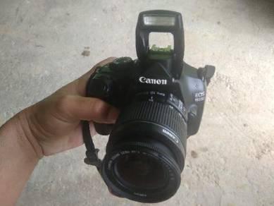CANON EOS 1100D dilepaskan