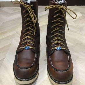 Red wing 877 / irish setter / dog carved