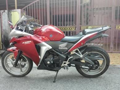 2011 Honda CBR 250 red limited