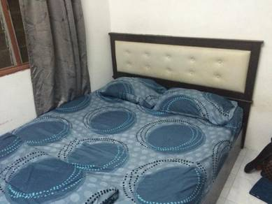 Katil Queen Size Bed Frame + Tilam Queen