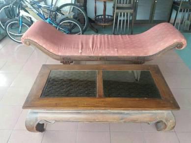 Coffee Table Teak Wood & Long Cleopatra Chair