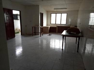 Single storey terr hse at jln tun hussein onn