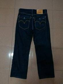 LEVIS 502 Like New Size 33 nike adidas