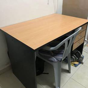 Office Table with Plastic Chair