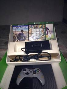 Xbox one 500GB + 3 CD Games