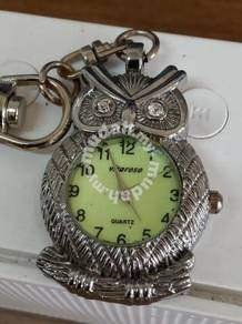 Vintage vitaroso owl keychain watch japan