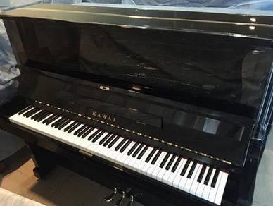 Kawai upright piano BL51